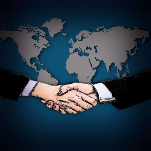 shaking-hands-1398448_1920